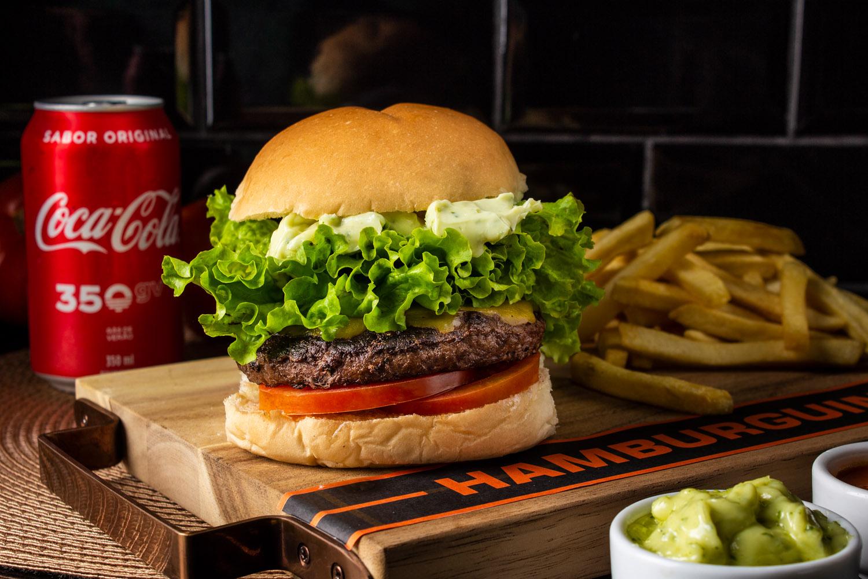 Combo 2 - Cheeseburguer Salada + Fritas + Refri
